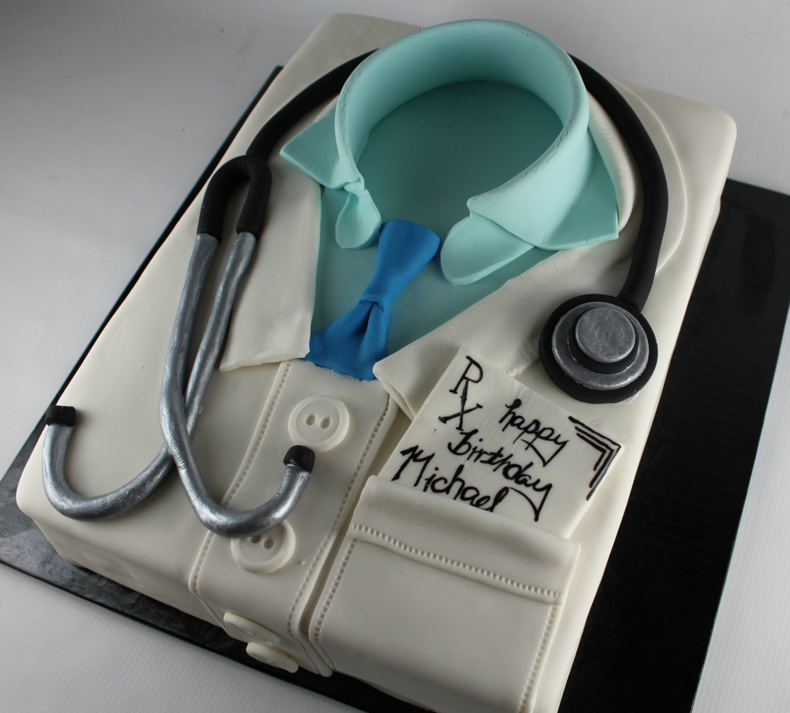 How To Make A Doctor Lab Coat Cake