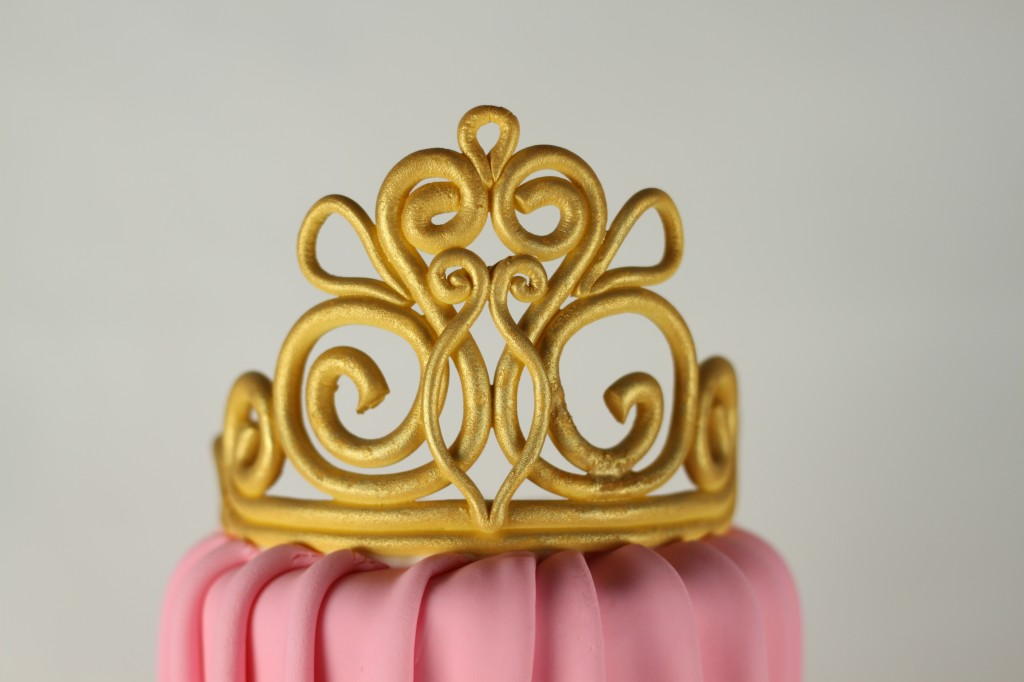 how to make gold fondant color