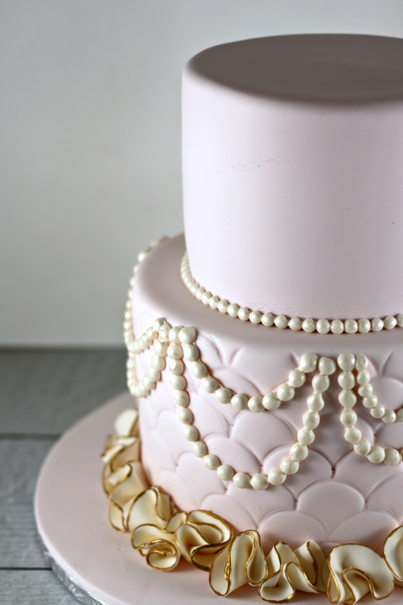 Cake Decorating Gold Pearls : Pink and Gold Pearls and Ruffles Lil Miss Cakes Lil ...